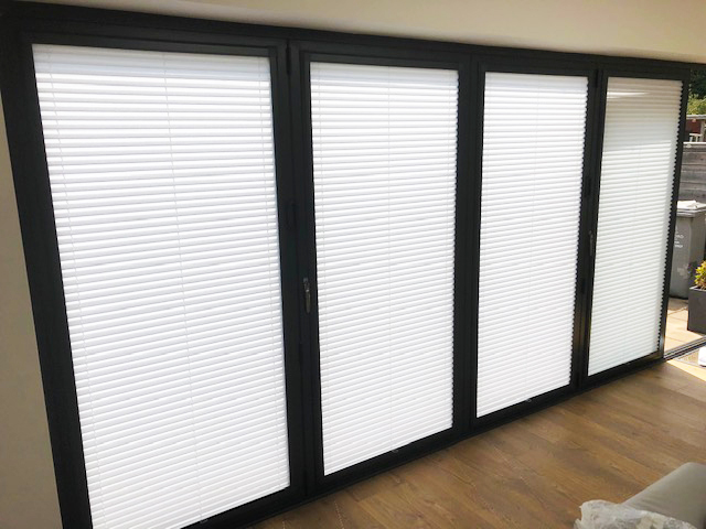 Anthracite blinds